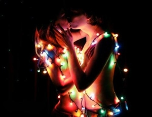 black-christmas-christmas-lights-couple-embrace-Favim.com-130144